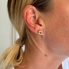SNÖ Knot small earring gold thumbnail